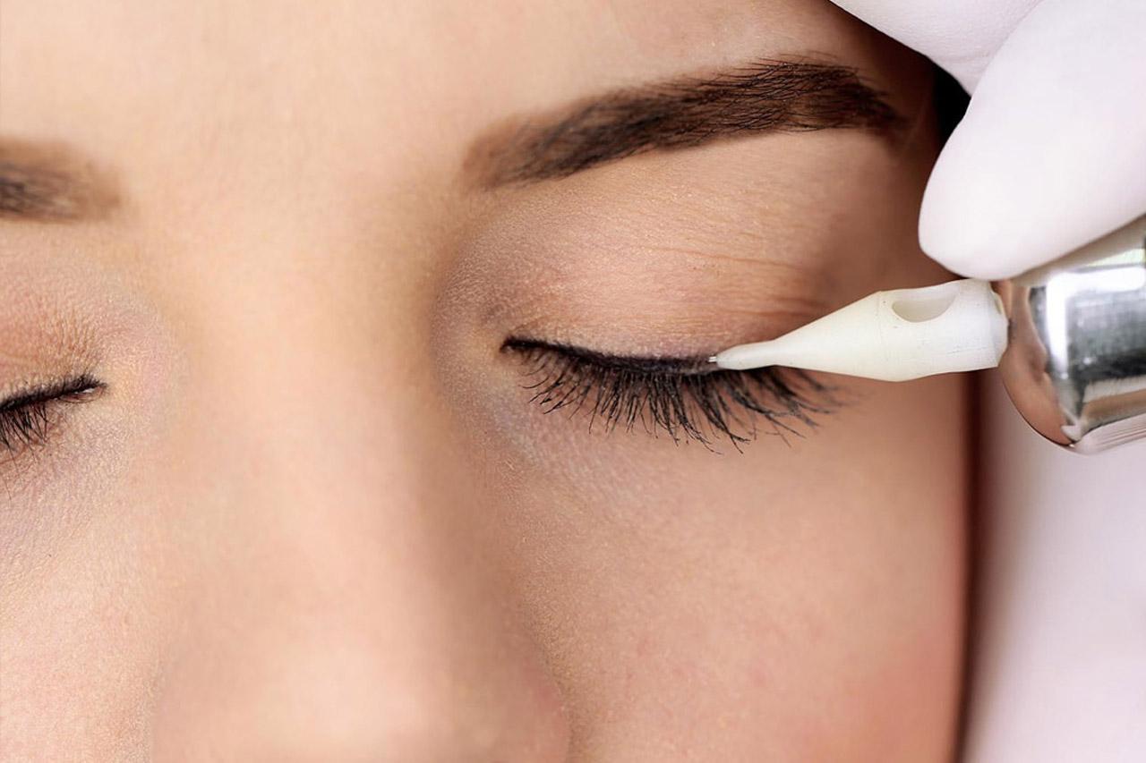 Magická krása s permanentním make-upem očních víček